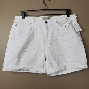 NWT! Liverpool Vickie White Pearl Cuff Hem Shorts